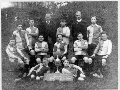 BROXBOURNE SCHOOL FOOTBALL TEAM 1909-1910