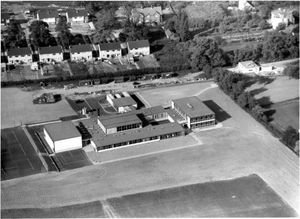 AERIAL VIEW BROXBOURNE SCHOOL