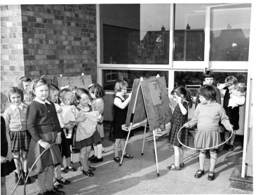 TURNFORD INFANTS SCHOOL 1950-60s