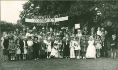 CORONATION PARTY CROMWELL AVENUE CHESHUNT 1953